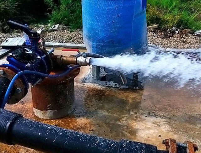 Что представляет собой нефтяная скважина?