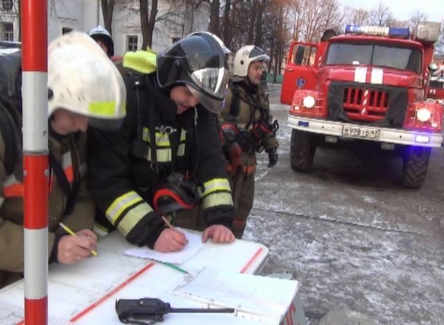 Кто обязан исполнять указания руководителя тушения пожара? - всё о пожарной безопасности