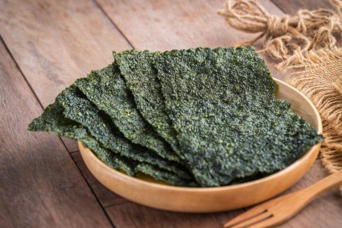 Сушеные водоросли нори: польза и вред, как делают, рецепты, калорийность