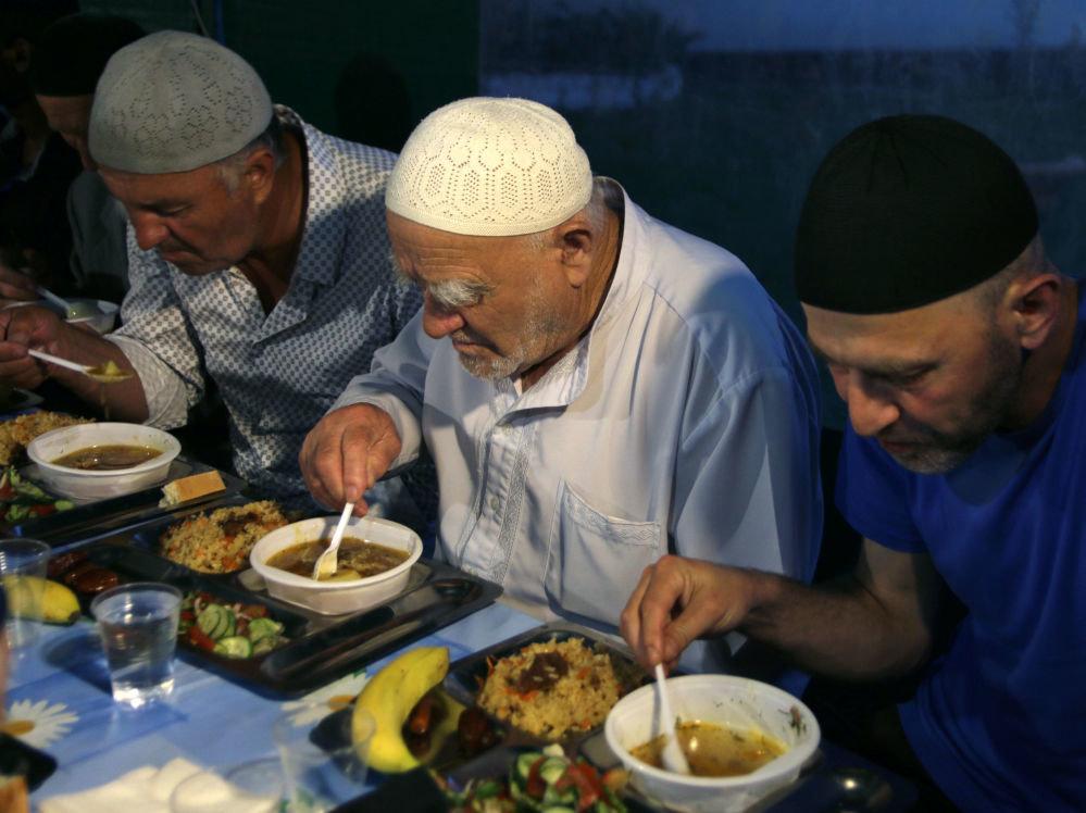 Немусульманин на ифтаре! мой первый рамадан