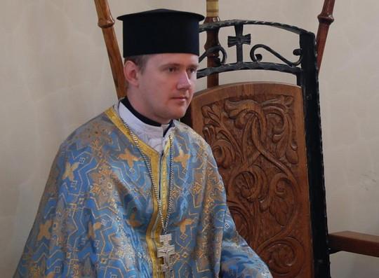 Сколько зарабатывают священники в россии, чем занимаются, особенности профессии