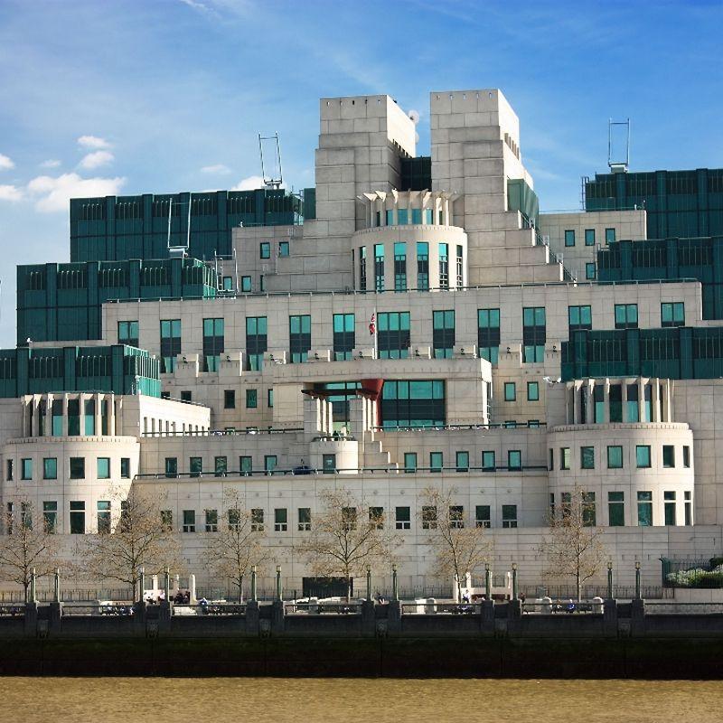 Самая известная спецслужба мира – ми6: чем поражает британская разведка