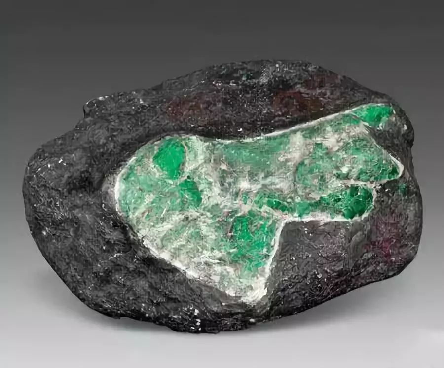 Гидротермальный изумруд - что это значит, как выглядит, как выращивают - stonewiki.ru