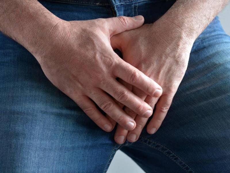Белый налет на головке у мужчин: причины и лечение