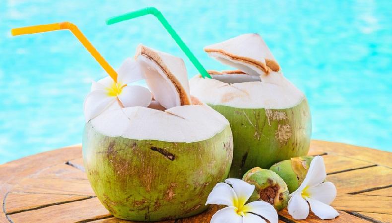 Чем полезен кокос, свойства, калорийность, как расколоть