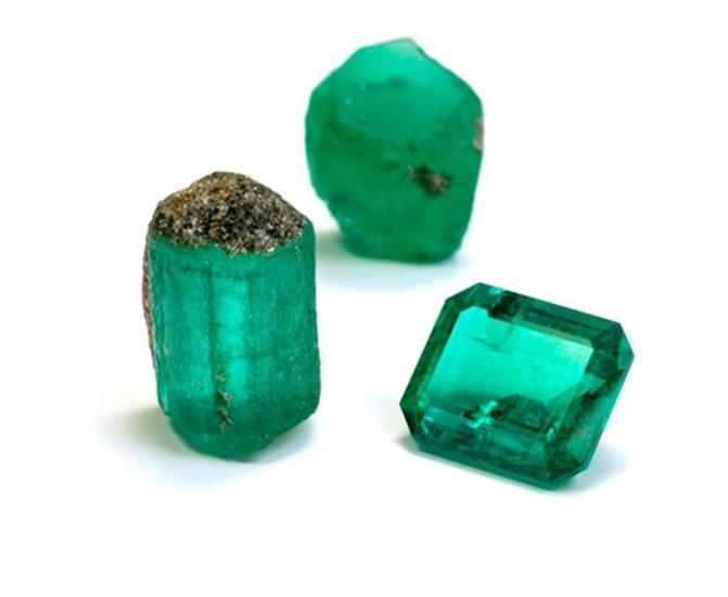 Гидротермальный изумруд (искусственный) что это такое?