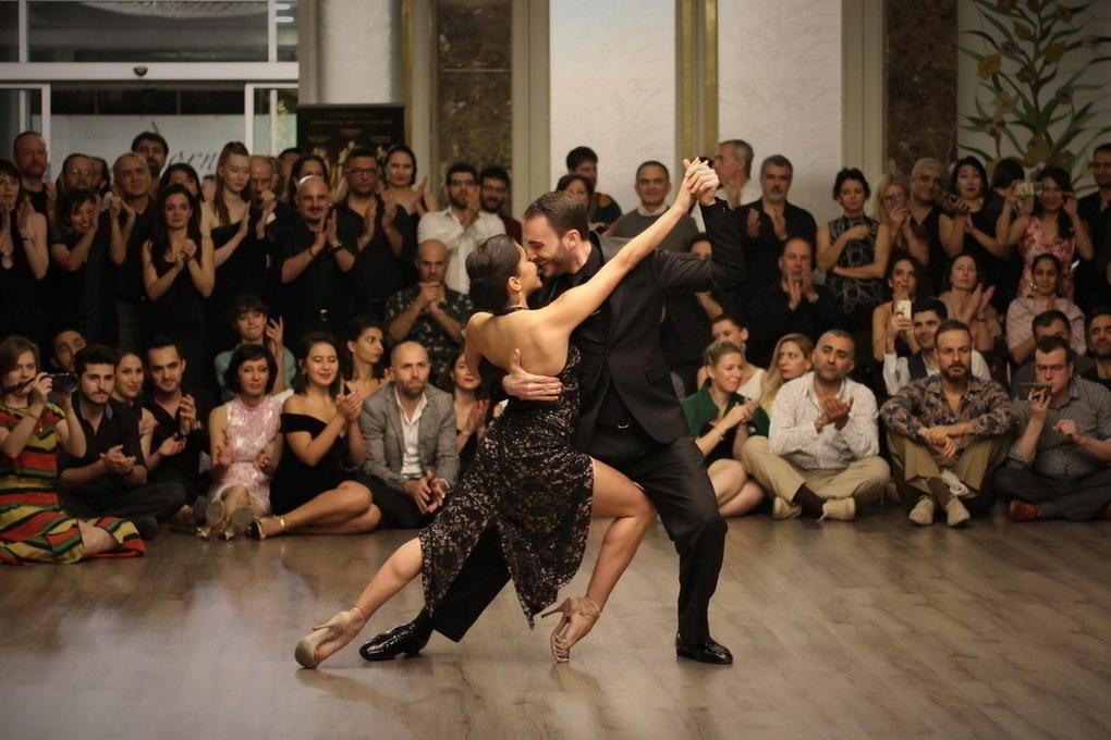 Танго - tango