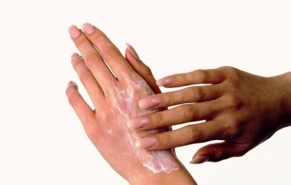 25 способов лечения цыпок на руках