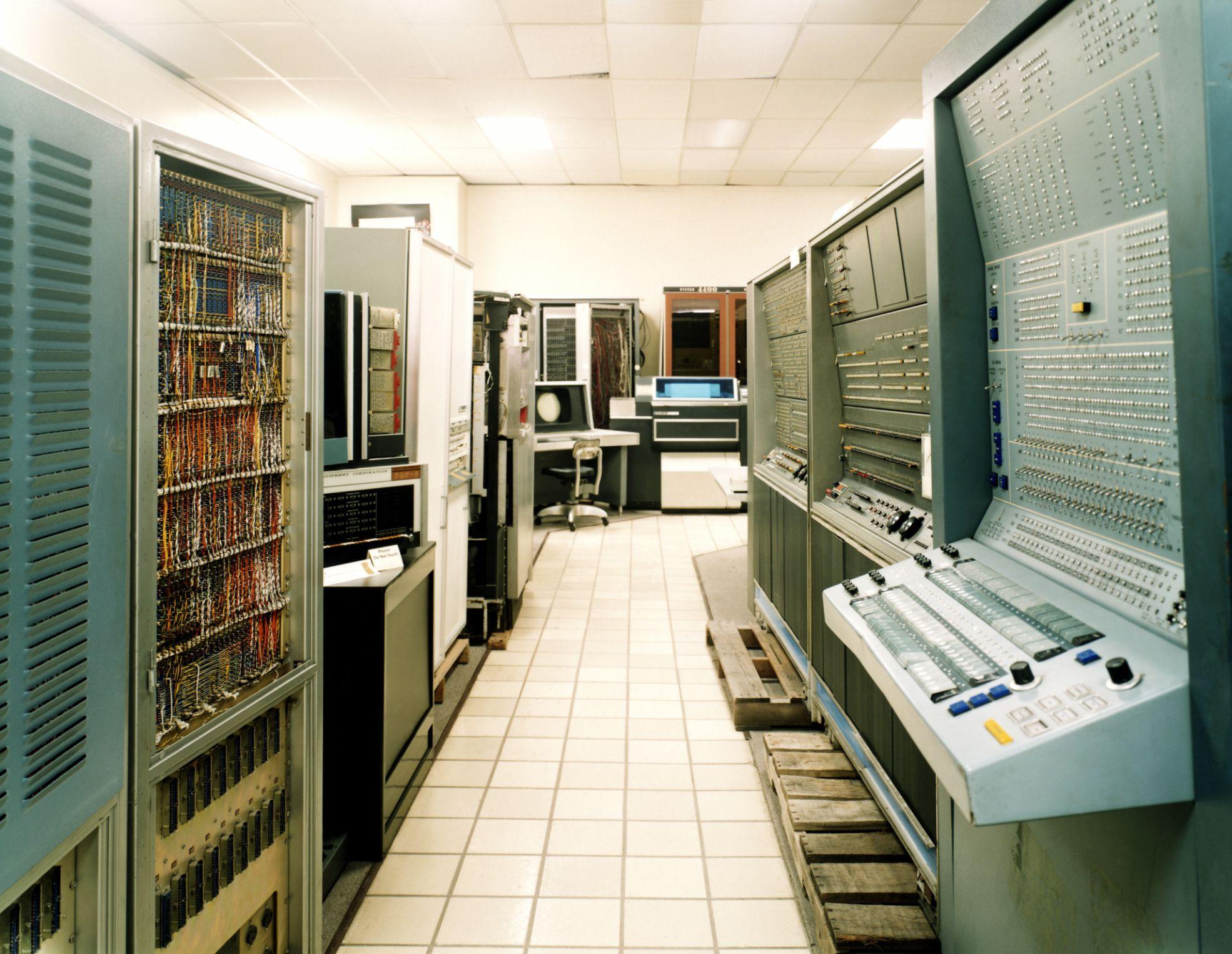 Электронно-вычислительная машина — википедия. что такое электронно-вычислительная машина