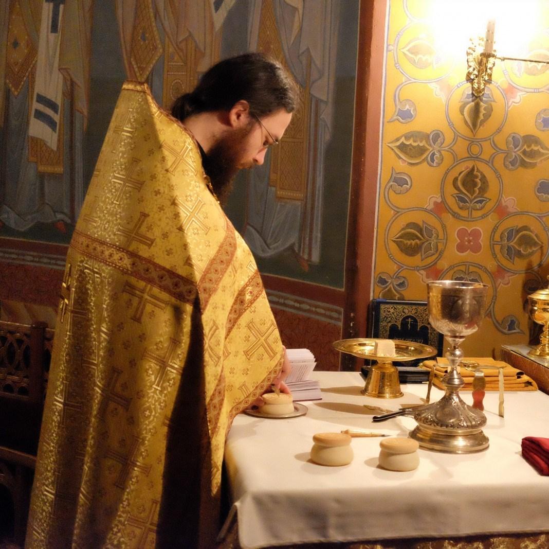 Проскомидия - что это, для чего и как совершается   православиум