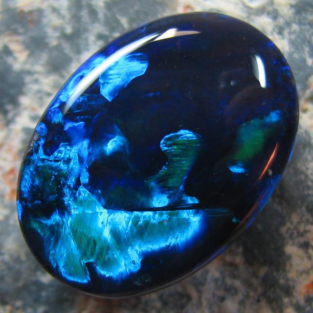 Опал — камень с многообразием свойств, цветов и видов