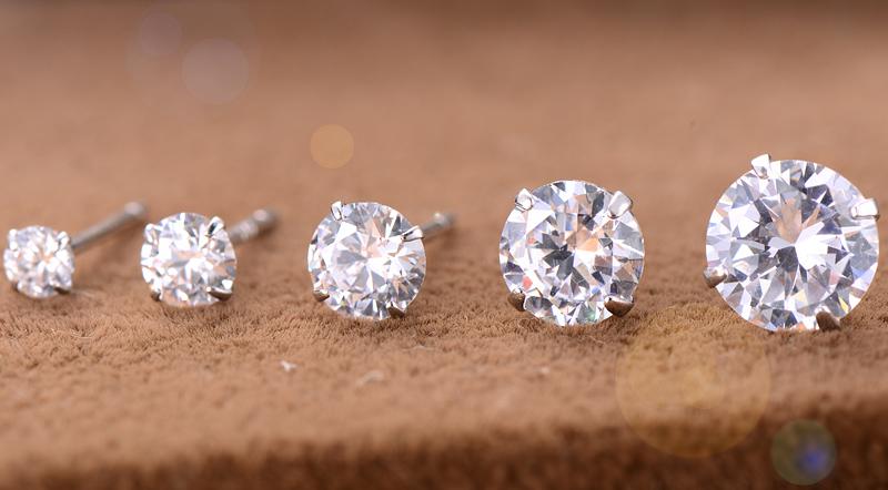 Серьги-гвоздики с бриллиантами: советы по выбору