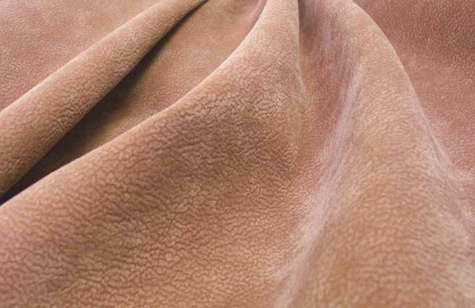 Ткань алькантара - что это за материал, стоит ли использовать его для мягкой мебели и сидений авто