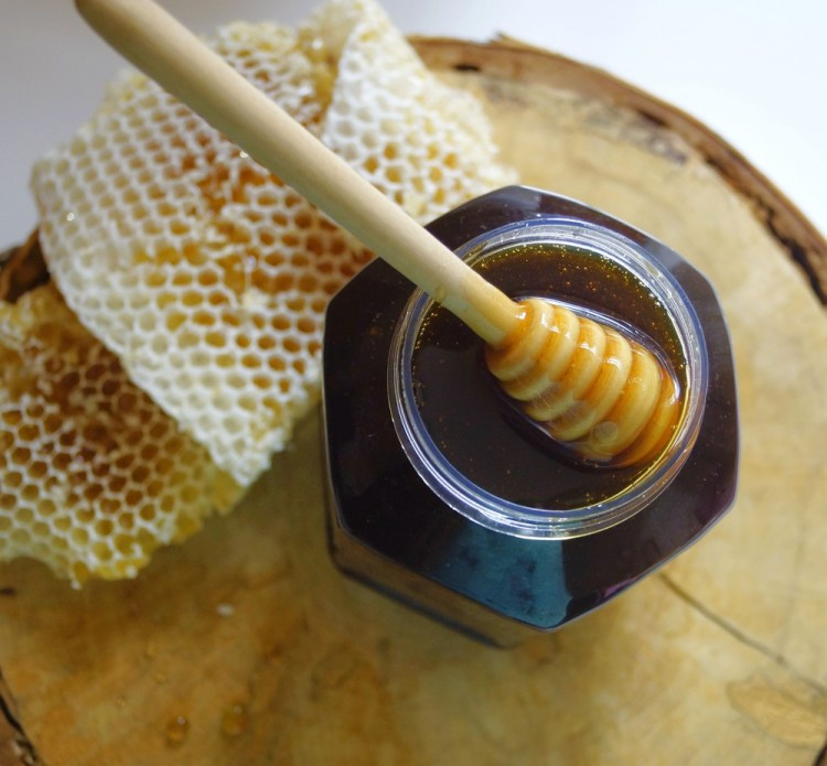 Падевый мед польза и противопоказания, состав сорта.