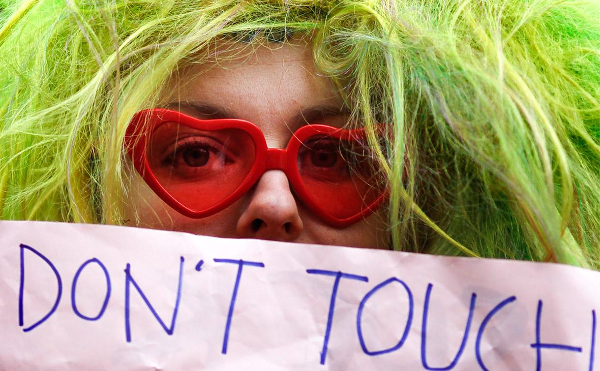 Чем сексизм отличается от газлайтинга: явления, от которых пора избавиться