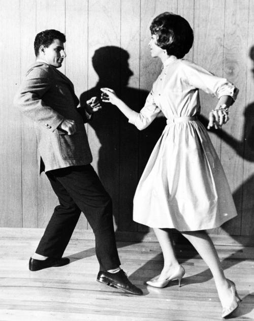 Твист (танец) — википедия. что такое твист (танец)