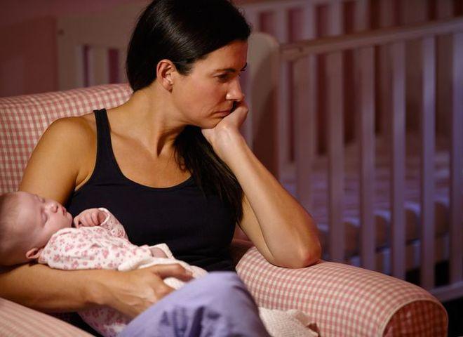 Послеродовая депрессия у женщин: симптомы, как бороться, лечение, причины, признаки, что это такое