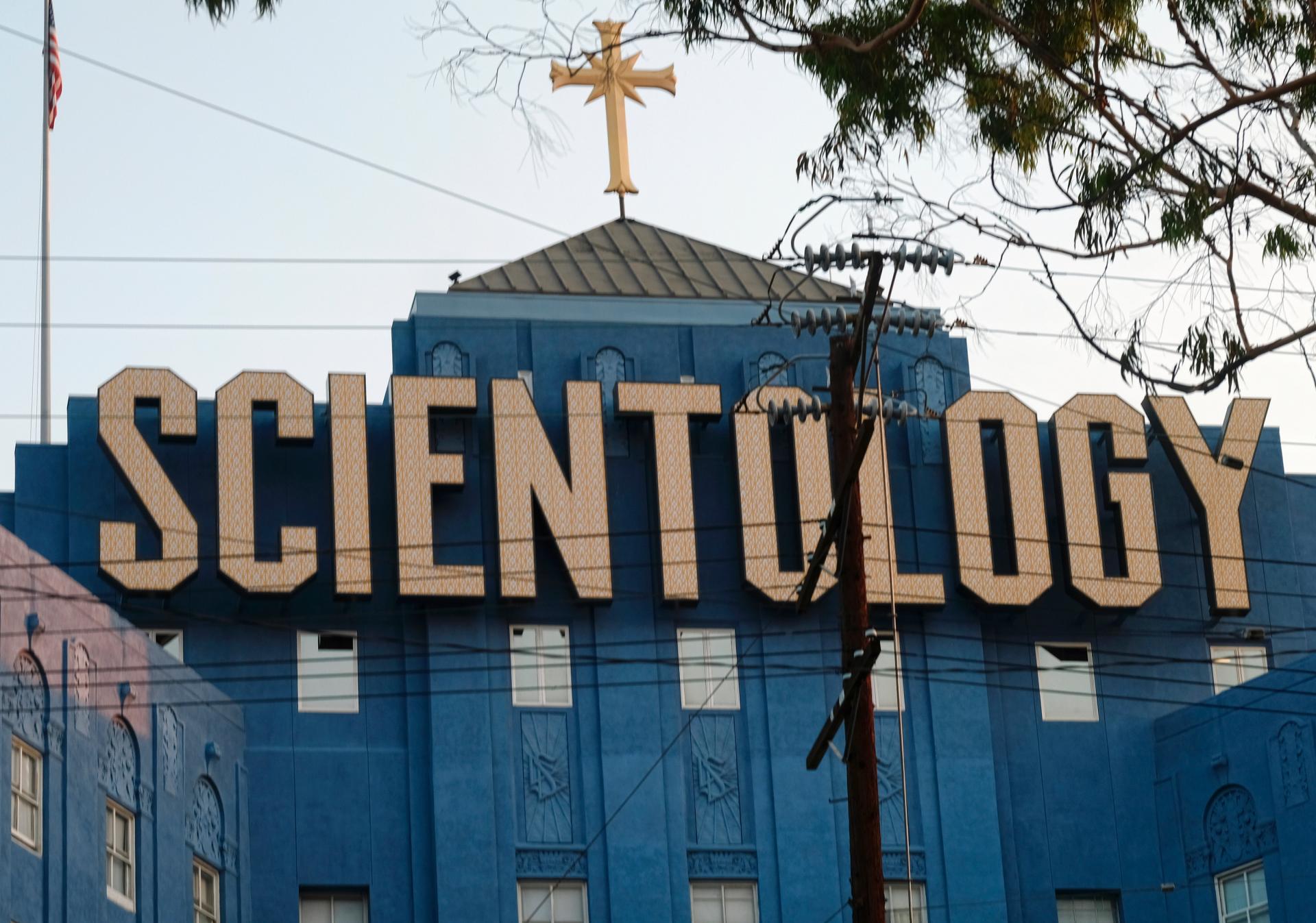 Саентолог – кто это такой: во что верит и чем опасен и как с ним общаться