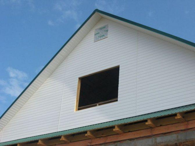 Чем обшить фронтон частного дома?
