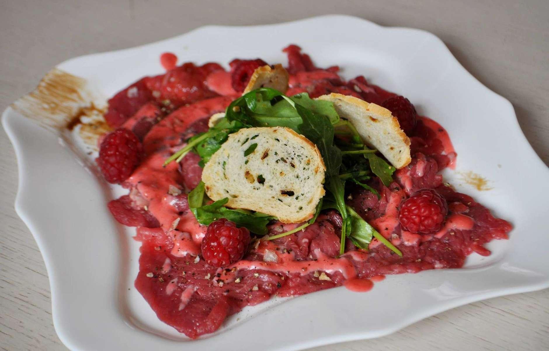 Карпаччо из лосося: что это за блюдо и как его готовить