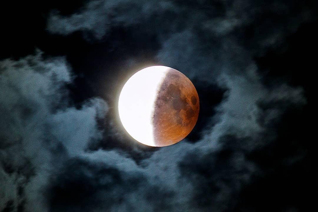 Прошлой ночью было лунное затмение. что о нем нужно знать и когда будет следующее - тасс