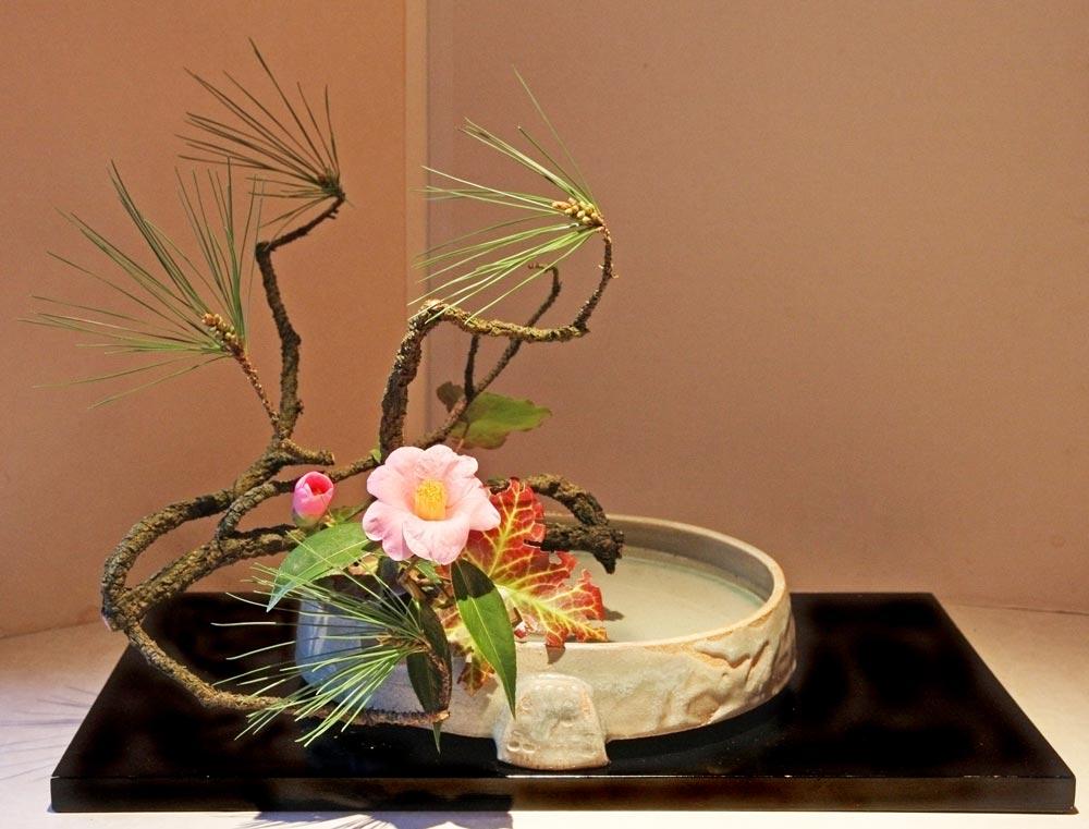 Искусство икебана— как оно возникло и в чем секрет составления композиции