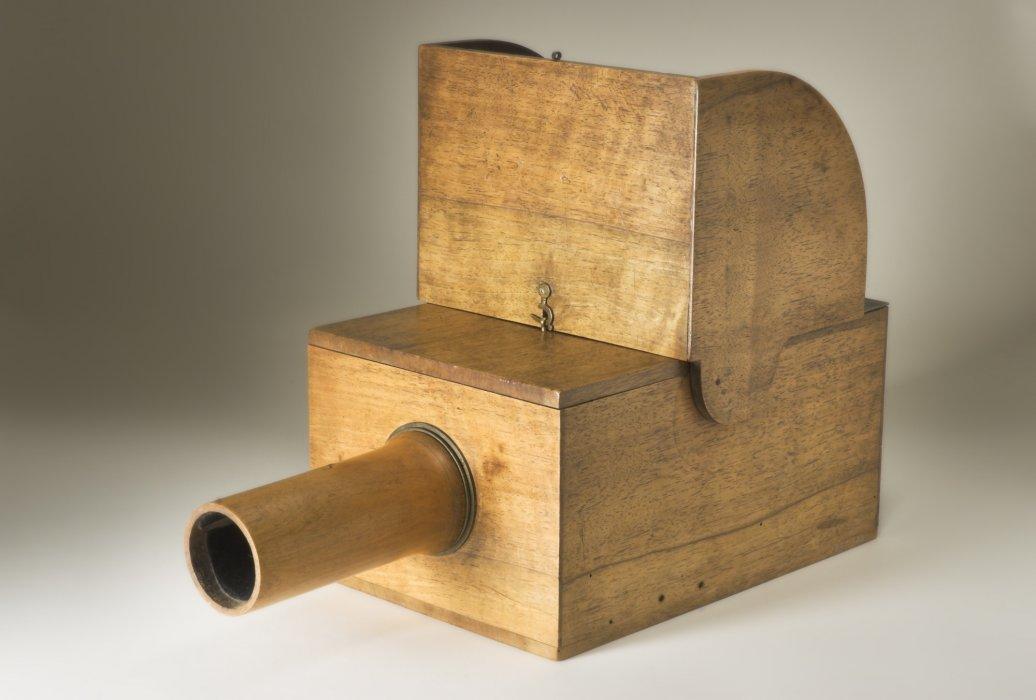 История, применение и принцип действия камеры-обскуры