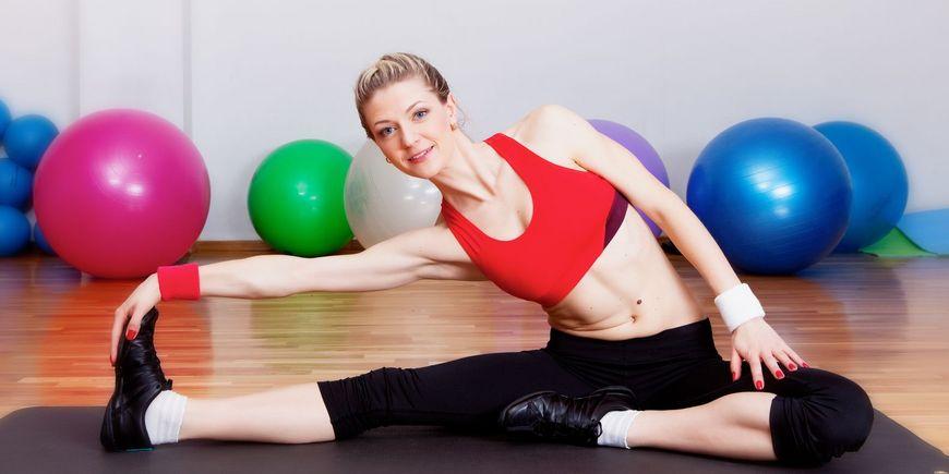Польза и вред растяжки, упражнения для начинающих в домашних условиях | zaslonovgrad.ru