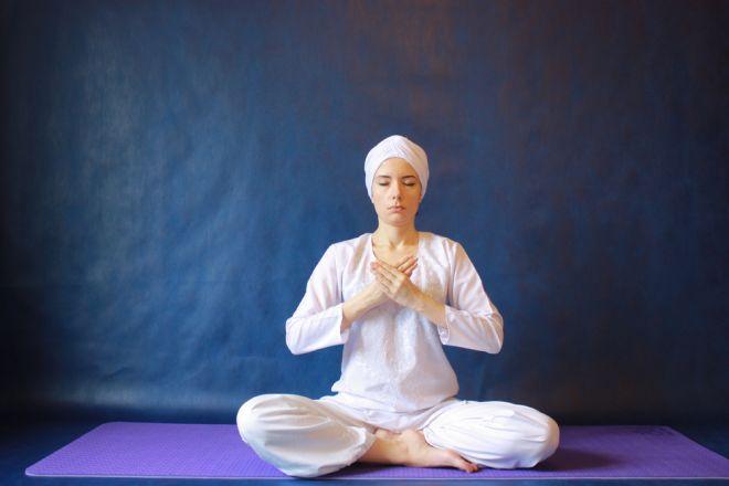 Кундалини йога – упражнения и идеология направления. 75 фото базовых упражнений и поз