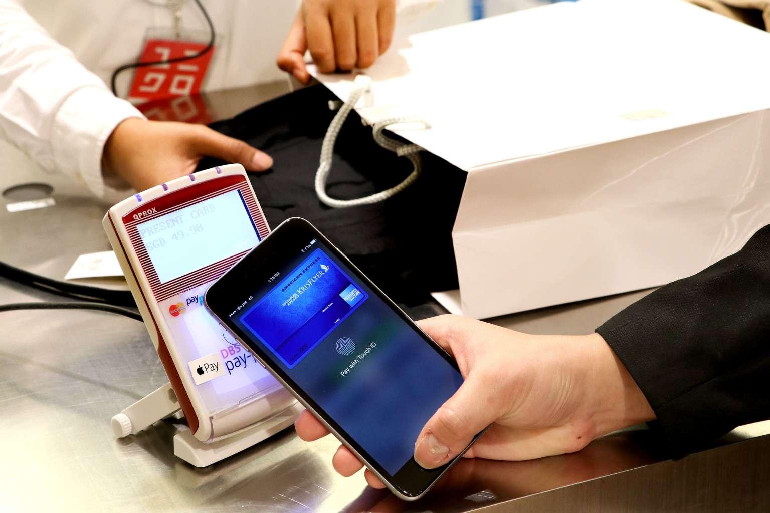Nfc в беларуси: что это и как пользоваться бесконтактной оплатой телефоном?