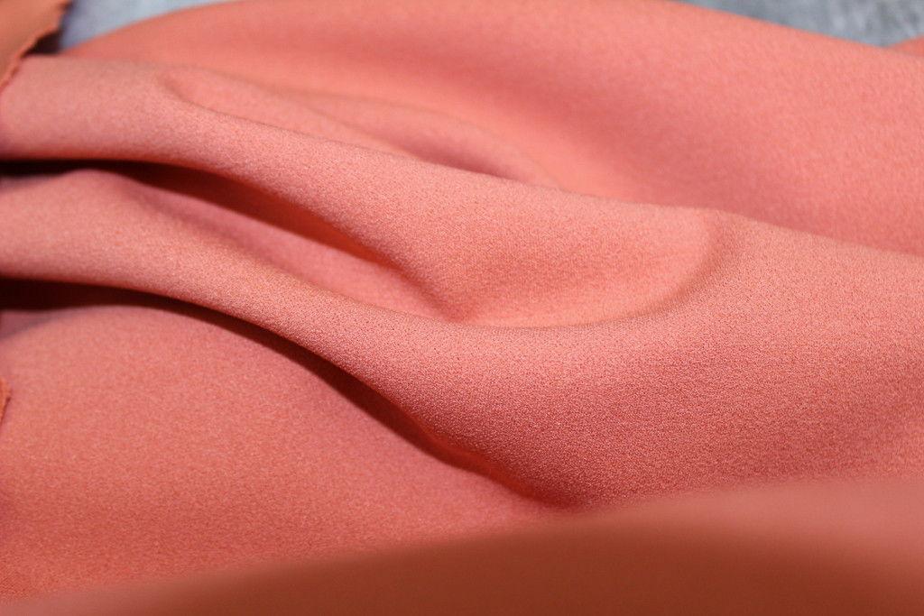 Креп-сатин: что за ткань, фото, характеристики, цена, состав | всё о тканях