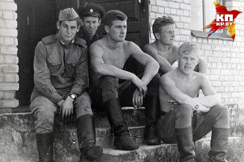 За что в советской армии сажали на «губу» - the criminal