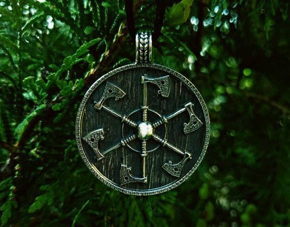 Символ коловрат: что это такое, в какую сторону он повернут, и значение славянского оберега посолонь и восьмилучевого, огненного, смысл женского амулета и для мужчин