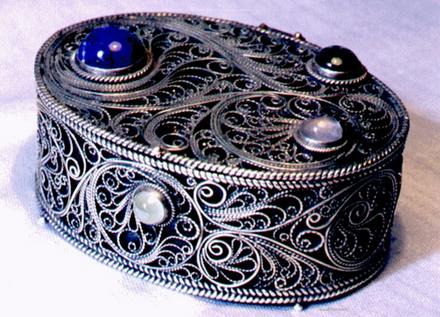 Скань (филигрань) – редкая техника тончайших узоров