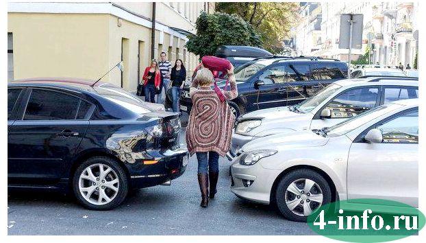 Допускают ли пдд движение автомобилей по тротуарам или пешеходным дорожкам