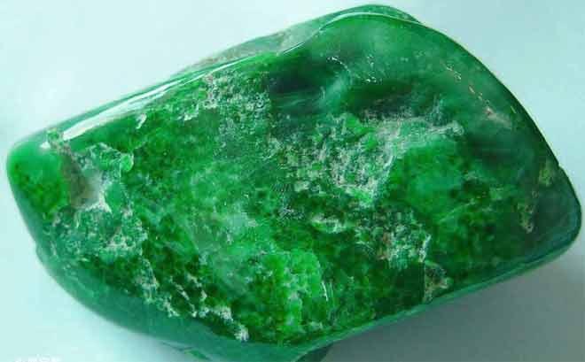 Нефрит камень свойства. кому подходит нефрит по знаку зодиака и как носить