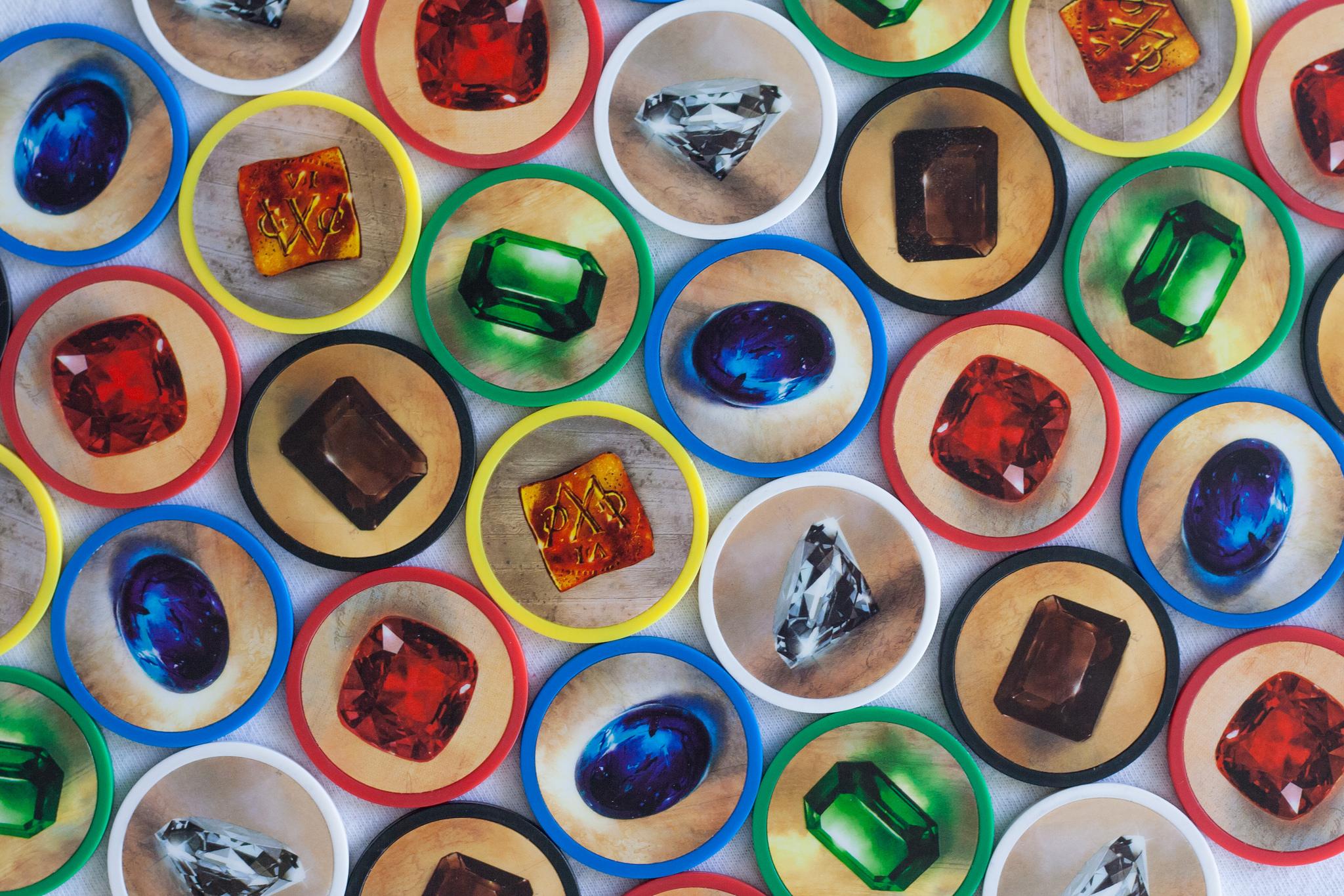 Камень цоизит: каковы его свойства, кому он подходит по знаку зодиака?