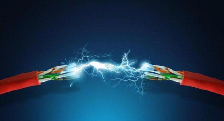 Виды поражения электрическим током и оказание первой помощи