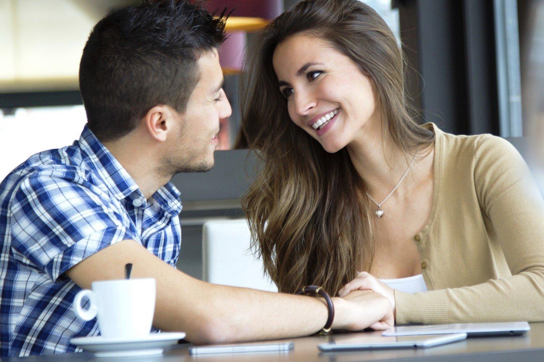Как правильно флиртовать с мужчиной: правила и уроки искусства флирта