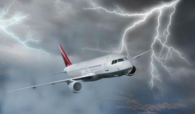 Турбулентность в самолете: что это и в чем ее опасность