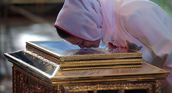 Антимощи и мощи: как православные по останкам определяют святых