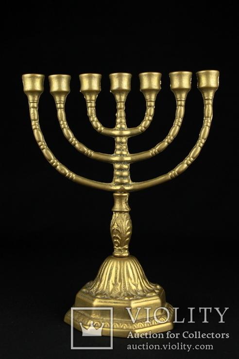 Что символизирует православный семисвечник?