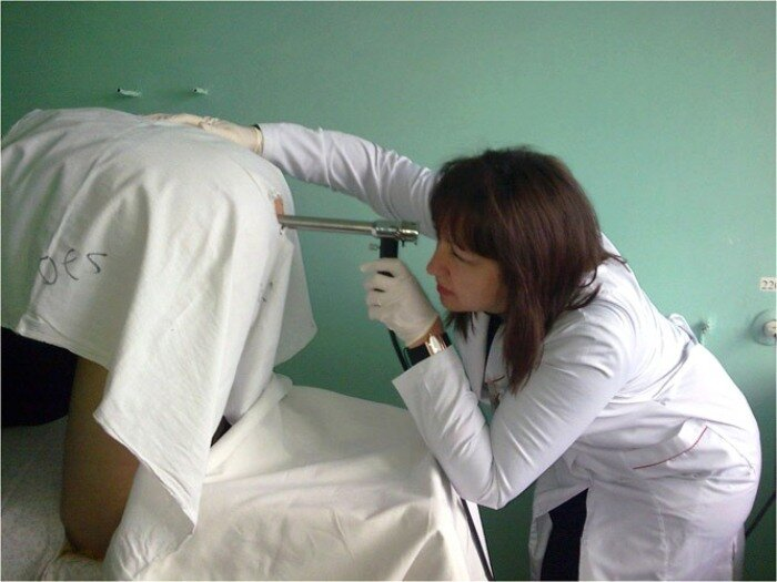 Что такое аноскопия прямой кишки и как она проводится