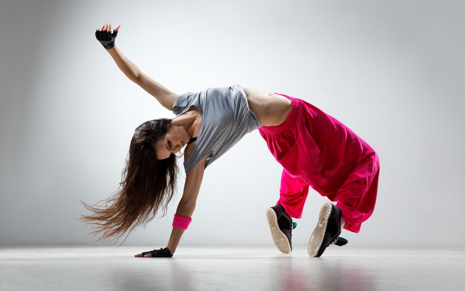 Определение танец.  что означает слово танец?