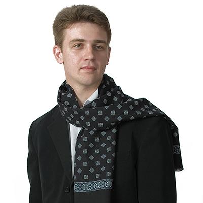 Кашне - это элегантный мужской шарф, который всегда в тренде