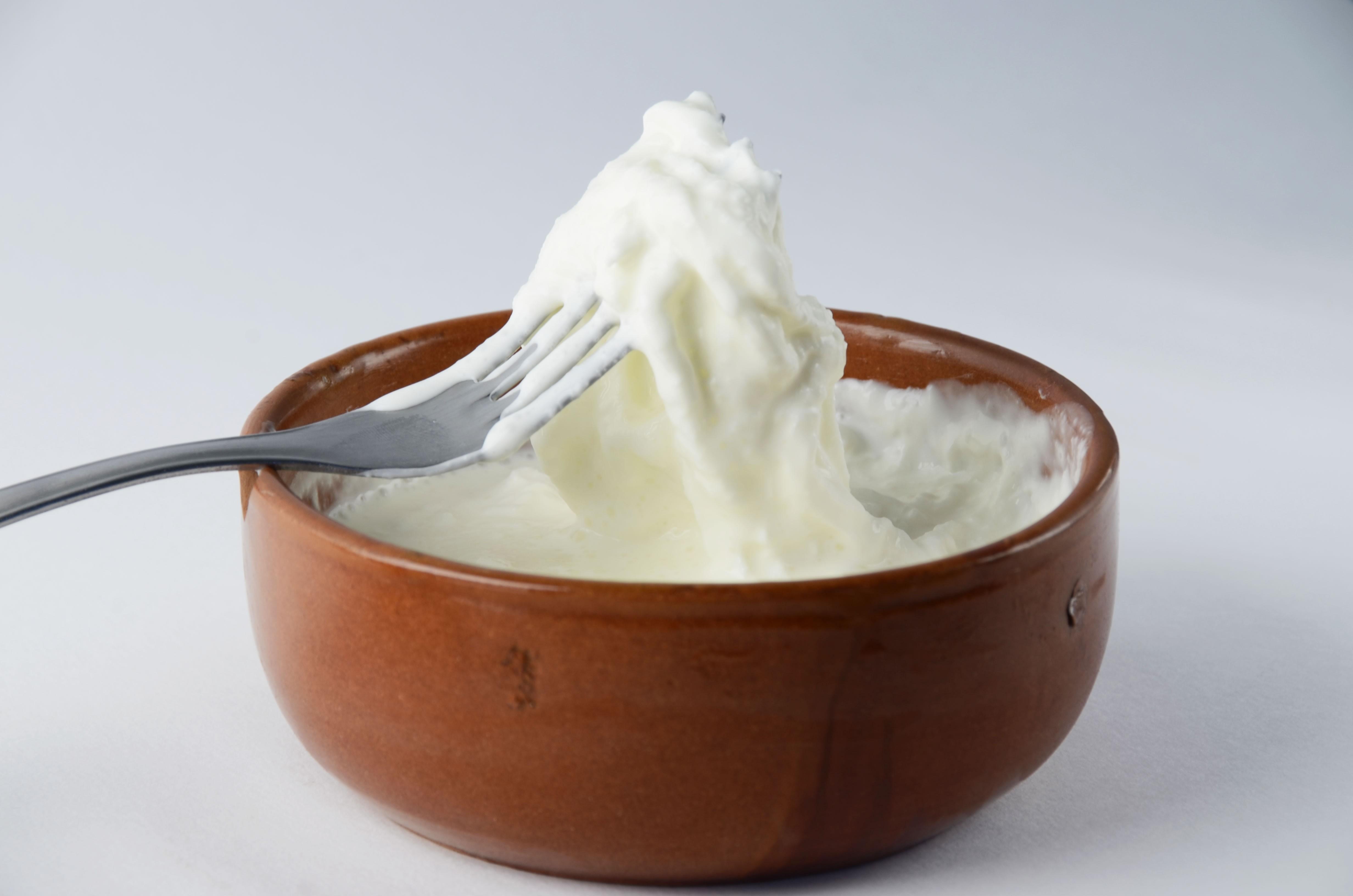 Страчателла (stracciatella) — состав, калорийность сыра, польза, вред, вино к сыру — cheezu.ru
