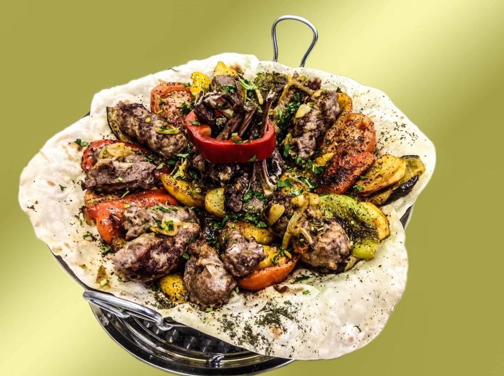 Сковороды садж (25 фото): чугунные азербайджанские сковороды, электрические саджи для шашлыка с подогревом и другие виды