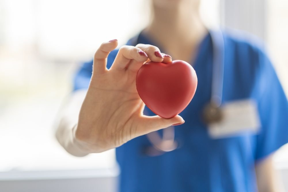 Когда должен применяться непрямой массаж сердца: техника выполнения и показания