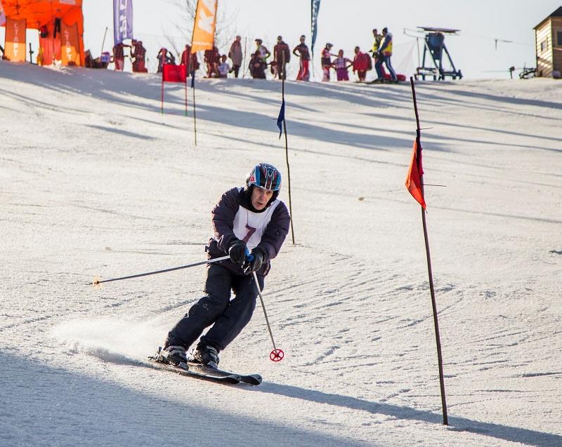 Слалом на горных лыжах: техника, экипировка и особенности лыж