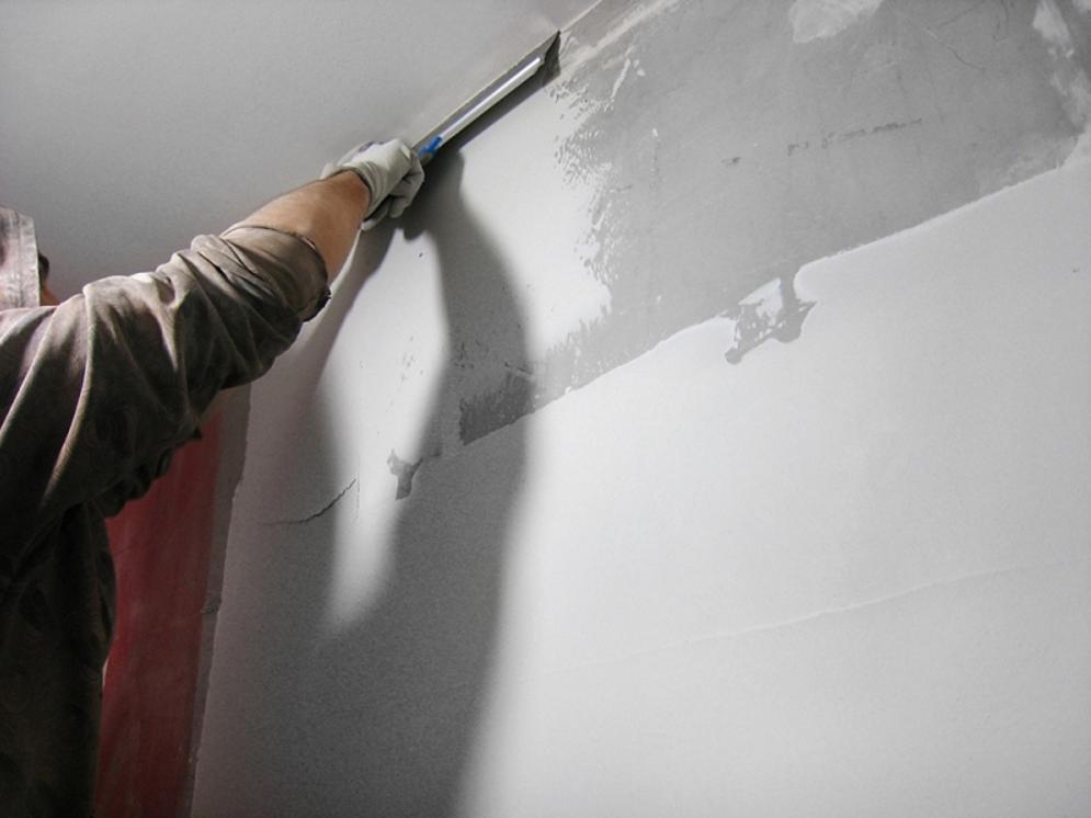 Шпатлевка: правила шпатлевочных работ и для чего используется шпатлевщик